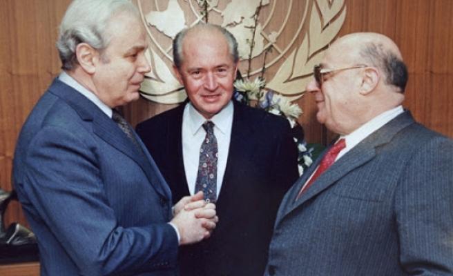 BM Genel Sekreterliği sırasında birçok krizi çözen Cuellar, Kıbrıs'ta başarısız olmuştu