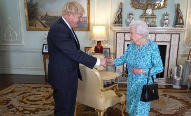 """Buckingham Sarayı: """"Kraliçe en son 11 Mart'ta Başbakan Johnson'la görüştü"""""""