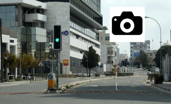 Güney Kıbrıs sokakları bomboş
