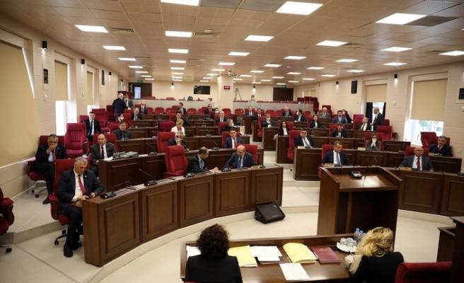 Meclis'te korona önlemi... Her milletvekili arasına belli bir mesafe koyuldu