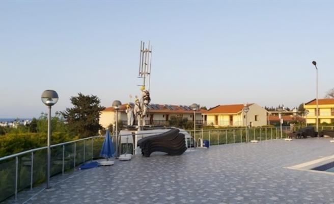 Öğrencilerin olduğu bölgeye mobil baz istasyonu kuruldu