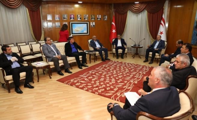 Tatar, siyasi parti başkanları ile biraraya geldi