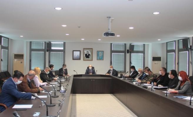 Başbakan Tatar, ekonomistler ile biraraya geldi