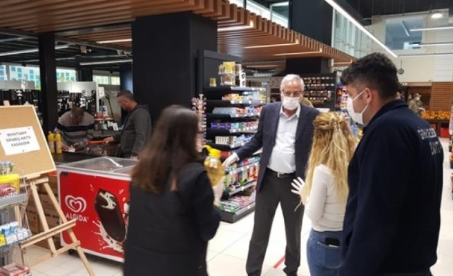 Başkan Güngördü, zabıta ekipleri ile marketleri denetledi