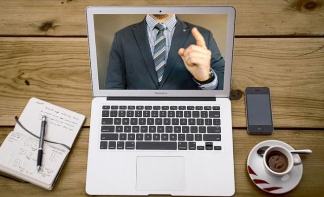 Dünya, salgında patlama yapan sanal toplantıları tartışıyor