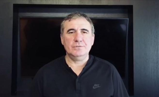 Galatasaray'ın efsane futbolcusu Hagi'den 'evde kal' mesajı