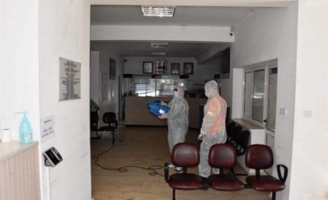 Girne'de dezenfektan uygulamalarına kesintisiz devam ediliyor