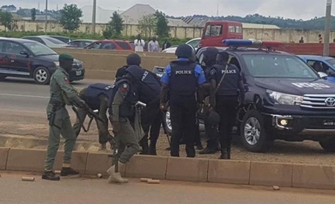 Nijerya'da sokağa çıkma yasağına uymayanlar öldürülüyor
