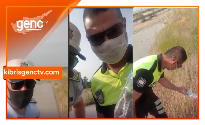 Pet şişe içine konulan yılanı polisler kurtardı