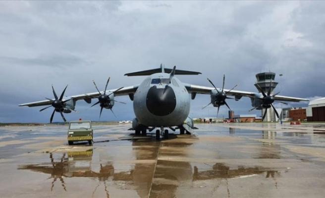 TSK'nin yardım malzemesi taşıyan uçağı İtalya'ya ulaştı