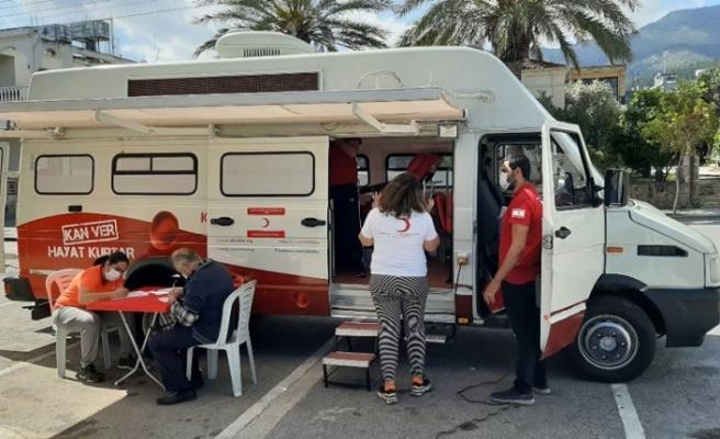 Alsancak'ta kan bağışı kampanyası