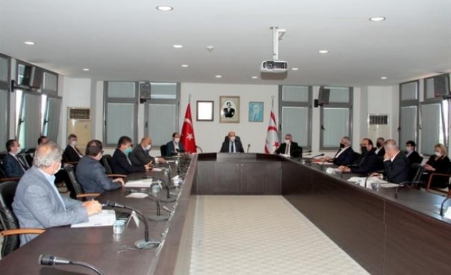 """Başbakan Tatar Başkanlığıda """"ekonomi"""" konusunda üst düzey toplantı gerçekleştirildi"""