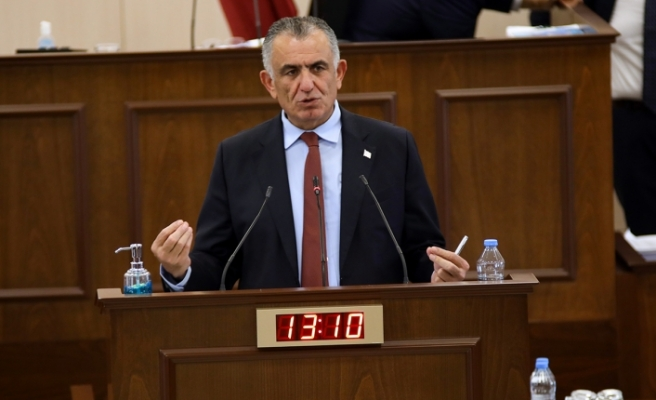 """Çavuşoğlu: """"Okulların açılması konusunda takvim tartışması yersiz bir tartışma"""""""