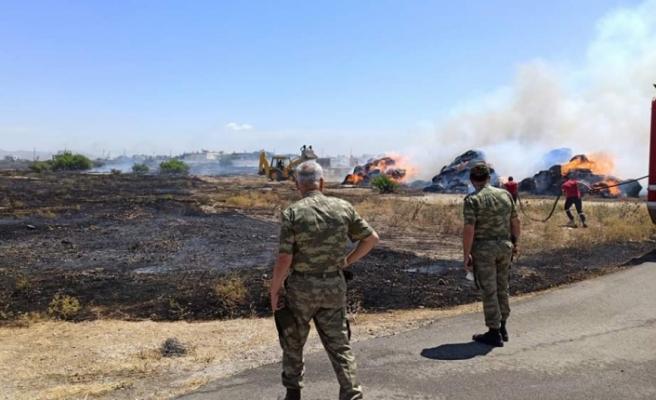 Gaziköy'de 1500 balya yandı