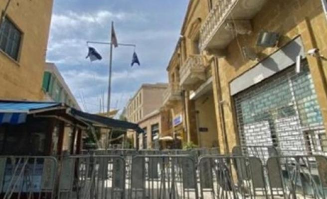 Güneyde çalışan Kıbrıslı Türkler, salı günü Meclis önünde eylem yapacak