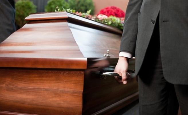 İngiltere'de Kovid-19 kaynaklı ölümler 33 bin 614'e çıktı