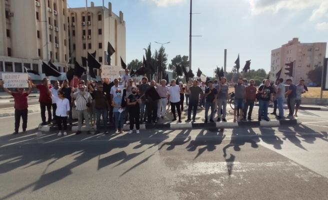 """""""Birleşik Eylem Komitesi""""nden Başbakanlık trafik ışıklarında eylem"""