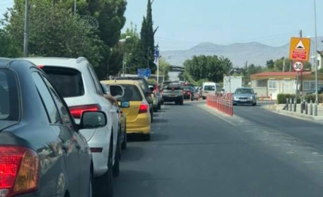 Güney Kıbrıs'tan geçiş kapılarını açma kararı