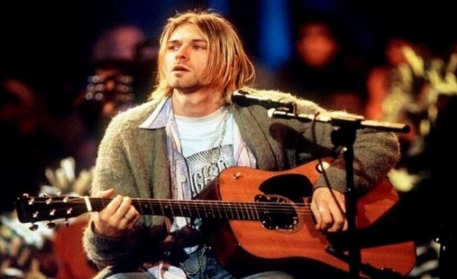 Nirvana'nın solisti Kurt Cobain'in gitarı 6 milyon dolara satıldı