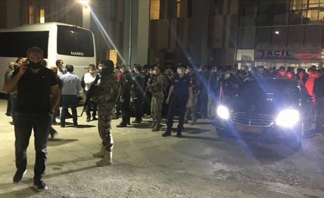 PKK'lı teröristler yol yapım işçilerine saldırdı: 2 şehit, 8 yaralı