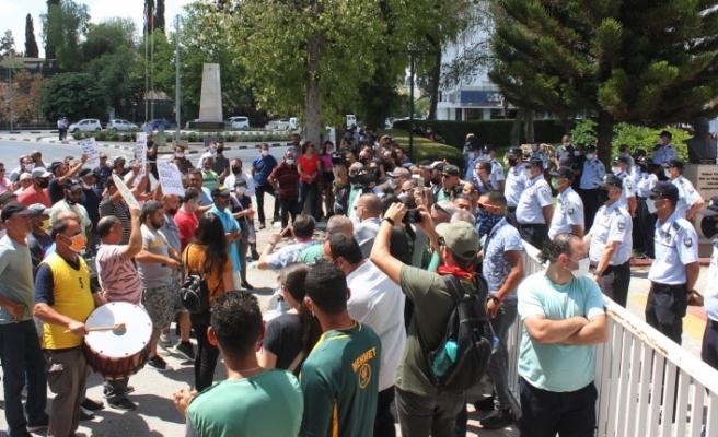 """Tatar eylemcilere seslendi: """"Kapıların açılması ile ilgili gerekli çalışmalar sürüyor"""""""