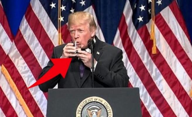 Trump'ın su içerken zor anlar yaşaması, uzmanlar tarafından beyninde sorun olduğu şeklinde yorumlandı
