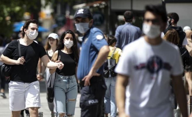 Türkiye'de yarından itibaren maske takmamanın cezası 900 lira