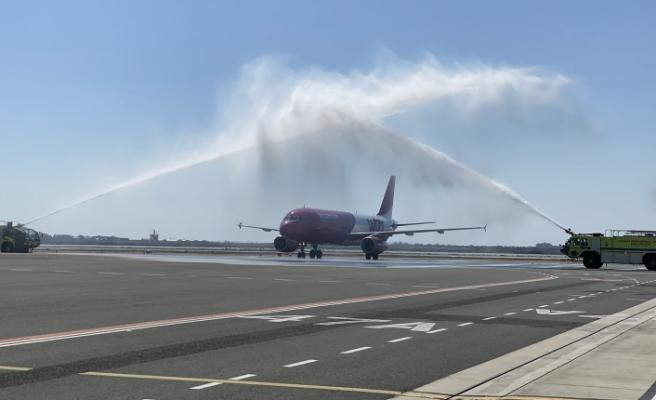 Baf Havalimanı'nda  8 uçuş