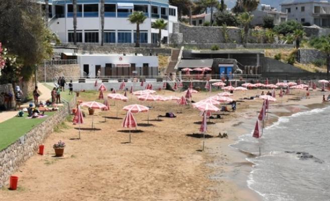 Girne'de Halk Plajı ve Antis Belediye Plajı'nda deniz suyu analiz sonuçları temiz