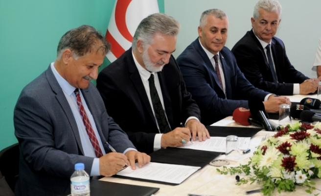 Kıbrıs Vakıflar İdaresi, önceden GAÜ'ye kiralanmış olan araziyi Sağlık Bakanlığı'na devretti