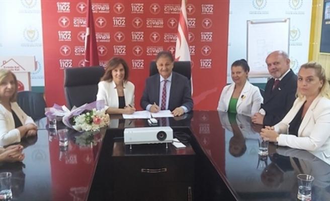 Kuzey Kıbrıs Lions Kulüpleri Federasyonu heyeti, Sağlık Bakanı Dr. Ali Pilli'yi ziyaret etti