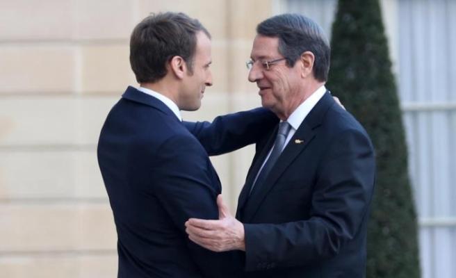 Macron ile görüşecek