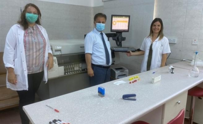 Pilli, Lefkoşa Devlet Hastanesi'ni ziyaret ederek incelemelerde bulundu.