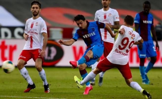 Trabzonspor, 1 puan ile kaldı