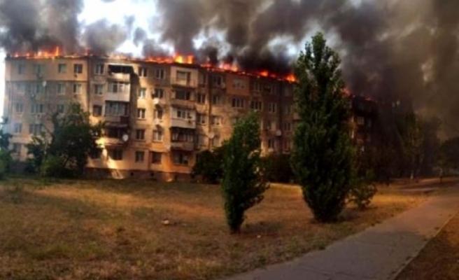 Ukrayna'da eşiyle tartışan adam binayı ateşe verdi