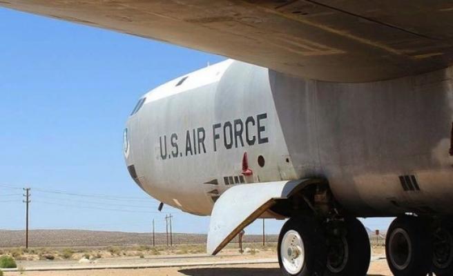 Amerikan B-52 bombardıman uçağına Karadeniz üzerinde iki Rus jetinden önleme
