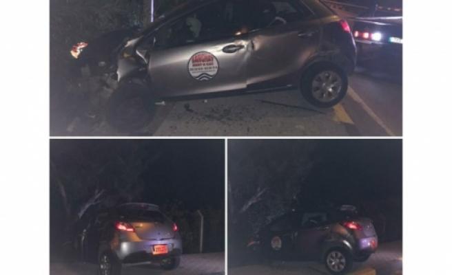 Araç sürücüsü  5 yaralıyı olay yerinde bırakıp  kaçtı
