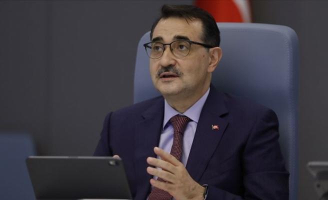 Bakan Dönmez 'Oruç Reis'in çalışma yapacağı alana ulaştığını' açıkladı