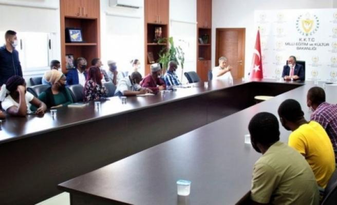 Çavuşoğlu, KKTC üniversitelerinde öğrenim gören uluslararası öğrencileri kabul etti