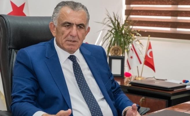 """Çavuşoğlu: """"Önceliğimiz öğrenci sağlığı"""""""