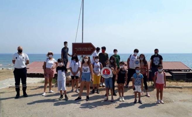 Girne Belediyesi Çocuk Meclisi üyeleri Gazimağusa'daki tarihi yerleri gezdi