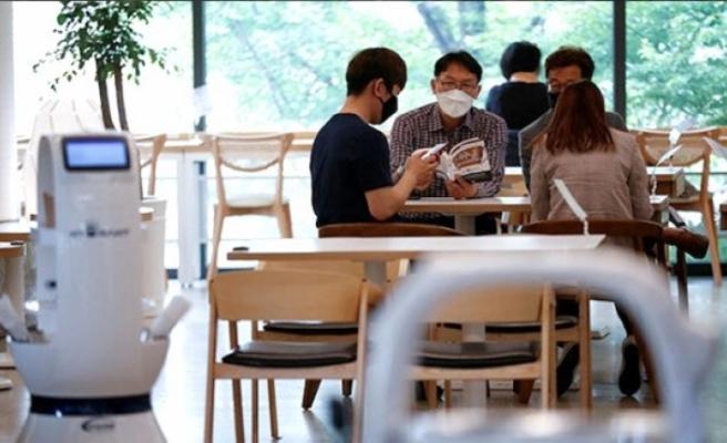 Güney Kore'den kafede 2 saat oturan müşteri 56 kişiye koronavirüs bulaştırdı