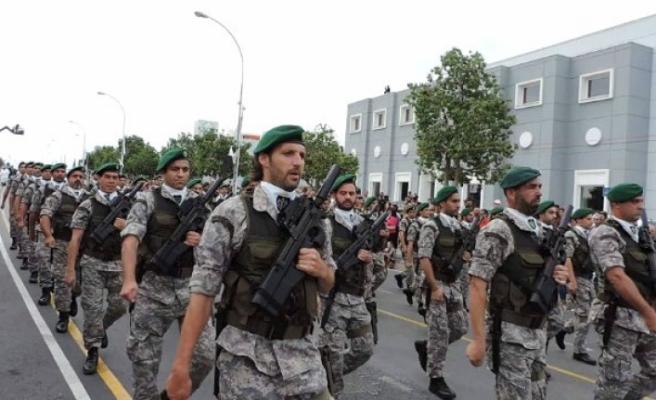 Kıbrıslı Rumlar askeri gücün arttırılmasını istiyor