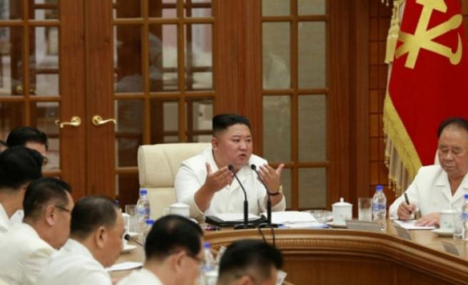 Kuzey Kore lideri Kim Jong-un komada olduğu iddiaları sonrası ortaya çıktı