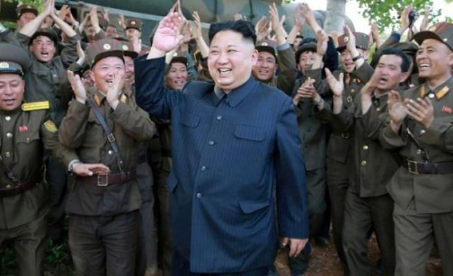 Kuzey Kore liderinden ilginç koronavirüs önlemi: 1 kilometreden fazla yaklaşanı vurun