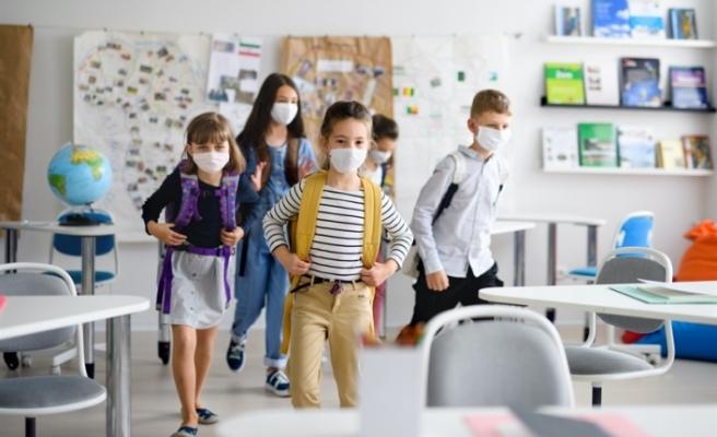 Maskeli Eğitim Karari Tepkilere Neden Oldu