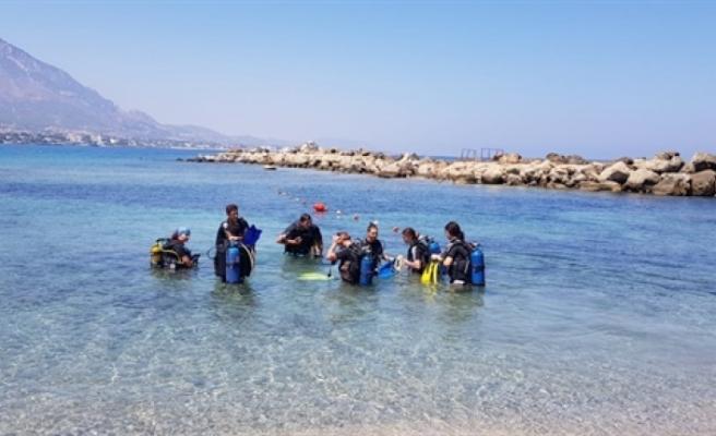 """SOS Girne Gençlik Evi gençleri için """"Denizde Eğlence Günü"""" organize edildi"""