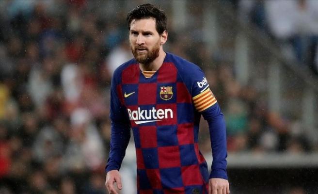 Arjantin basınına göre Messi Barcelona'da kalma kararı aldı