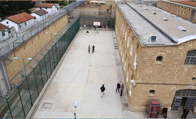 Güneydeki mahkumlar Yunanistan'a gönderilecek