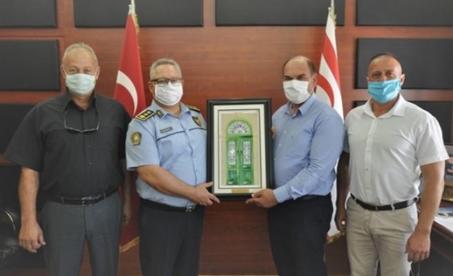 Karavezirler, Lefkoşa Polis Müdürüni kabul etti